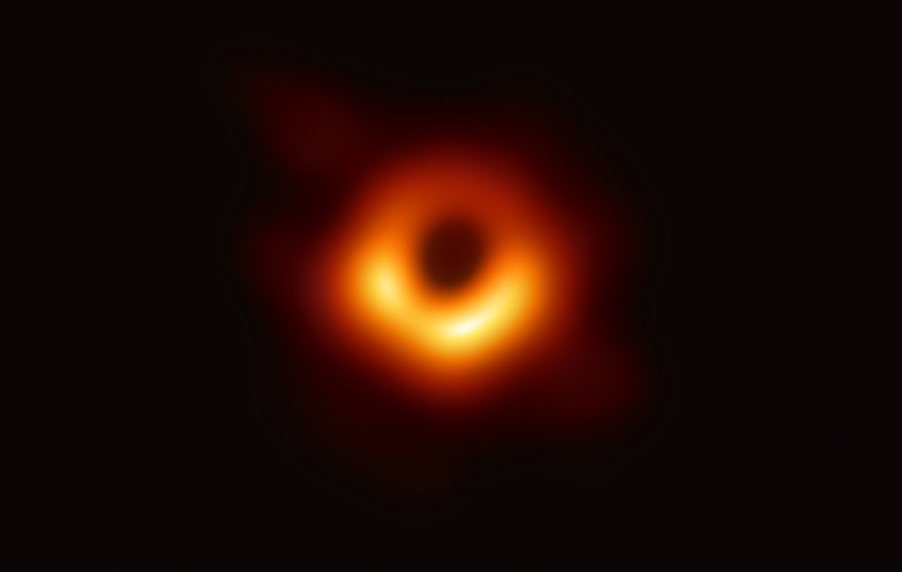 تصویر « هیولا » ، نخستین سیاهچاله ای که تصویر واقعی و مستقیم دارد !