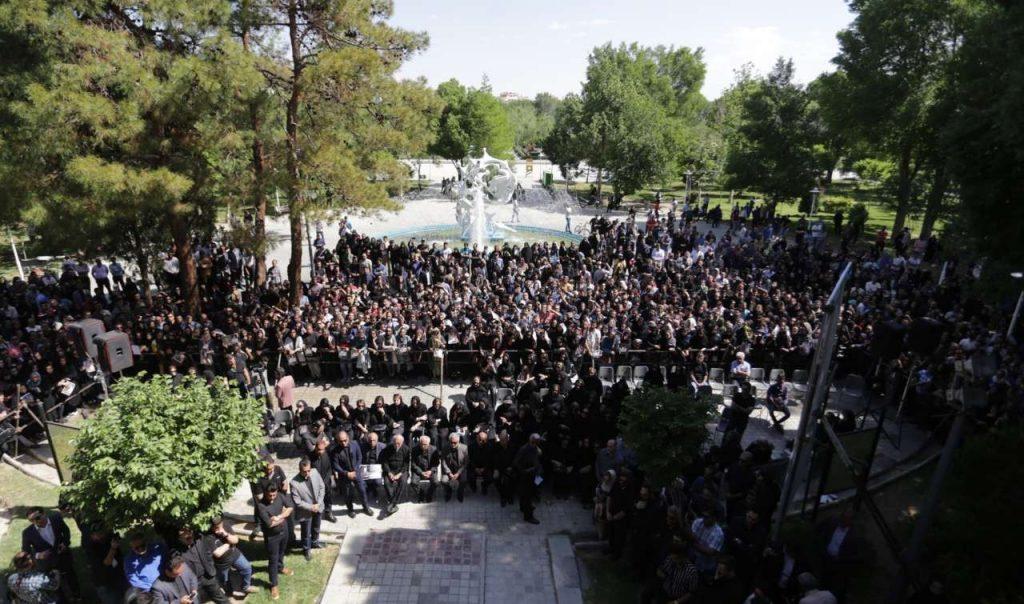 مراسم تشییع جنازه بهنام صفوی