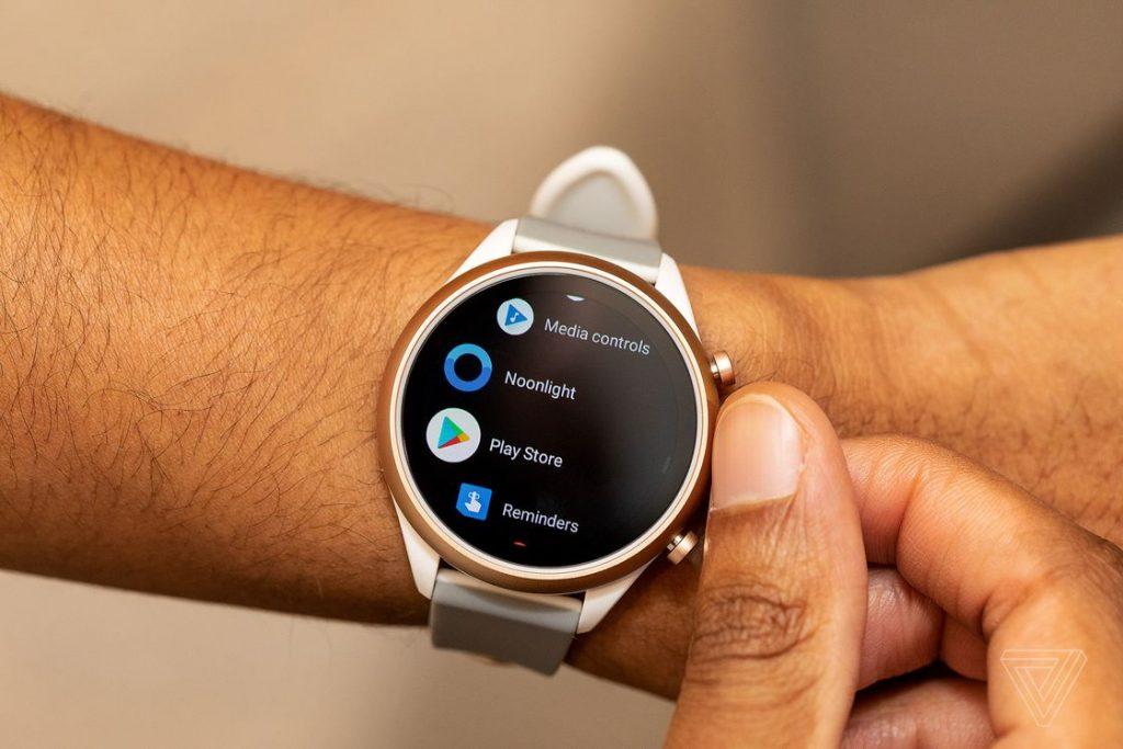 ساعت هوشمند Fossil Sport
