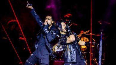تصویر اجرای زنده دو تا ستاره و نرو از ماکان بند ( فیلم اینتروی کنسرت )
