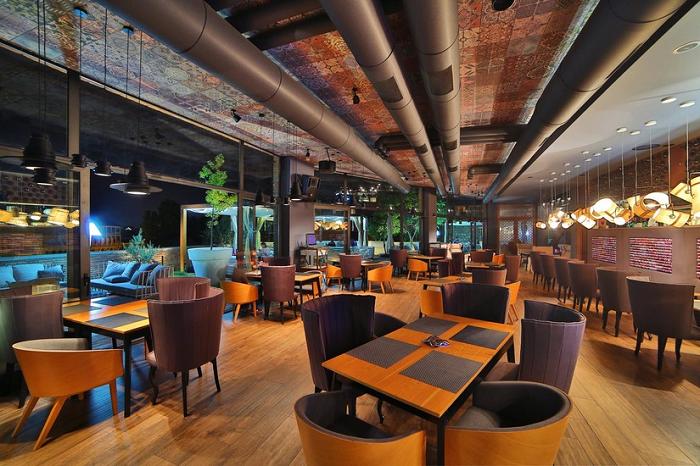رستوران تی بیلیسو سن پترزبورگ