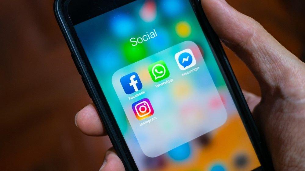 فیسبوک نام اینستاگرام و واتساپ را بزودی تغییر می دهد