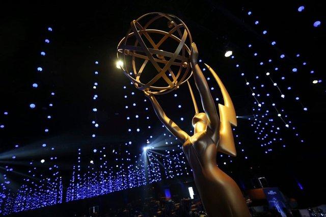 تندیس و جایزه مراسم امی 2019