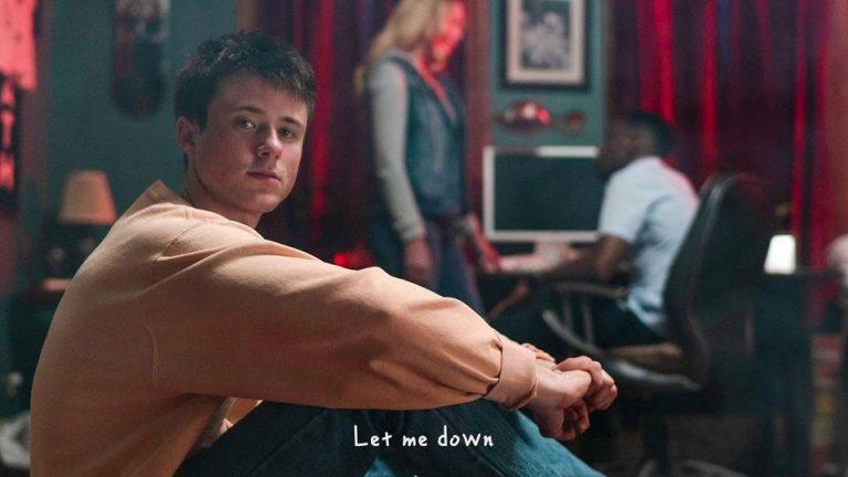 متن و ترجمه آهنگ Let Me Down Slowly از Alec Benjamin