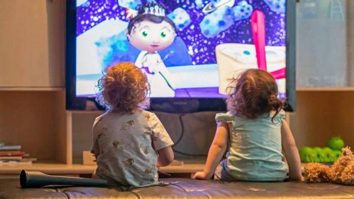 تاثیر تلویزیون بر روی کودکان