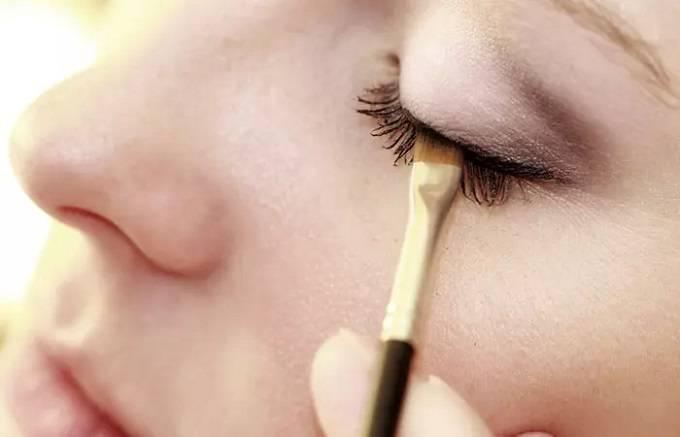 آموزش کشیدن خط چشم ساده و شیک