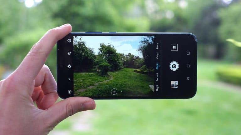 نقد و بررسی آنر 20 لایت از نظر دوربین اصلی و سلفی