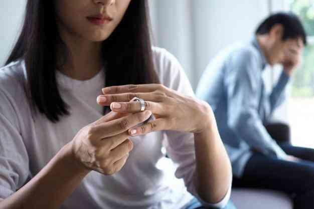 نقش خانواده و مشکلاتی که باعث ایجاد اختلال شخصیت مرزی در افراد می شود