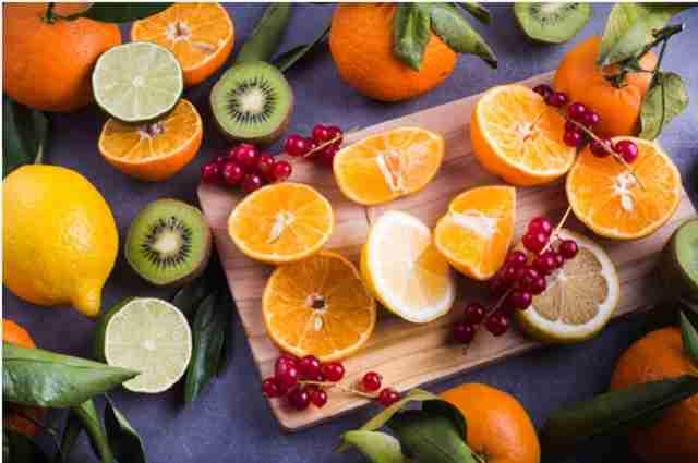 میوه های حاوی مقادیری ویتامین سی