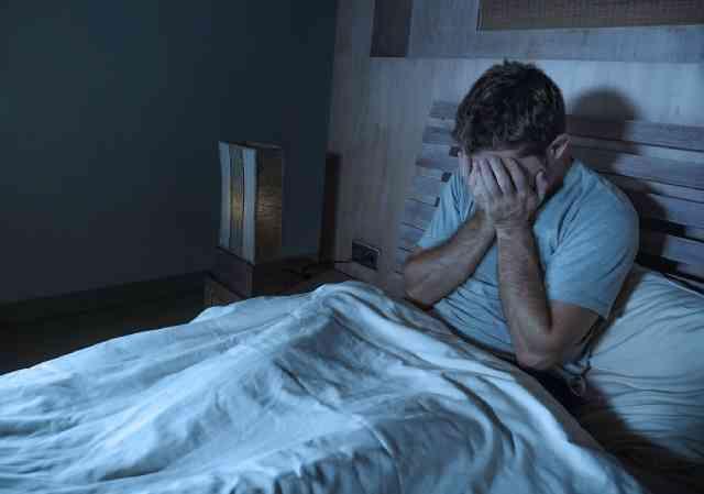 کمبود خواب و تپش قلب نشانه چیست