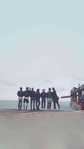 تصویر پس زمینه گوشی از V گروه BTS