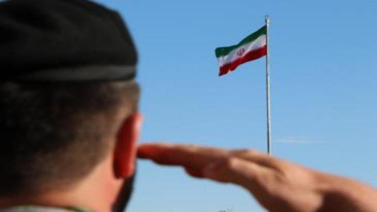 چرا باید به پرچم کشورمان احترام بگذاریم ؛ فکر کن و بگو صفحه ۹۰