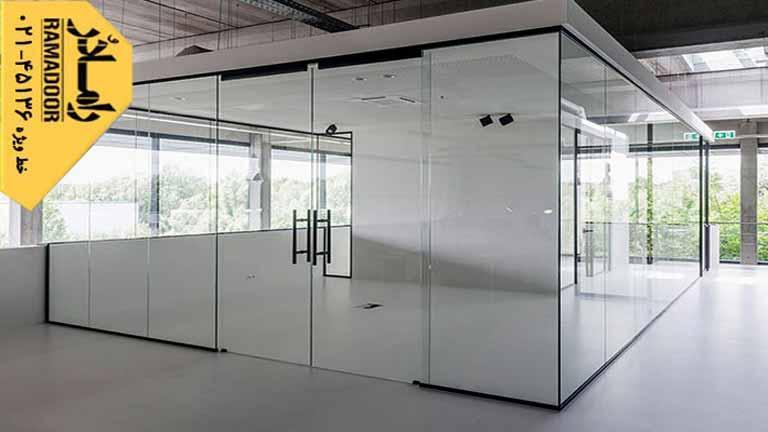 شیشه بالکن را از چه جنسی می سازند؟